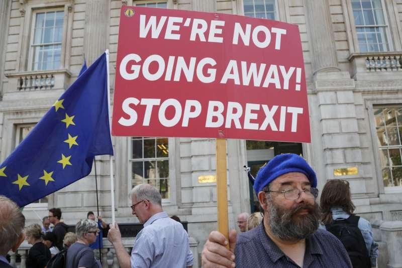 2019年8月,英國首相強森為了推動脫歐,強行讓國會休會,引發各方抗議(AP)