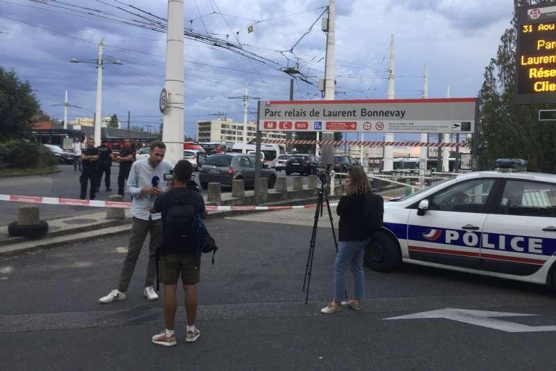 法國里昂都會郊區維勒班的地鐵站發生持刀攻擊事件,目前尚未定調是否為恐攻(AP)