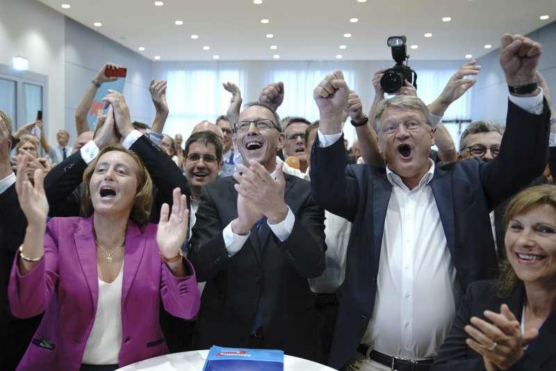 德國反移民極右翼政黨另類選擇黨在1日薩克森邦和布蘭登堡邦的議會選舉大有斬獲,成為兩邦議會的第2大黨。(圖/AP)