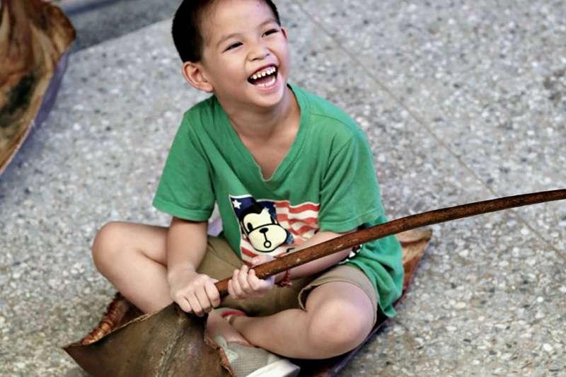 原本好動的原住民小孩找到發洩精力的方式,同時也學習的族語及文化。(主辦單位提供)