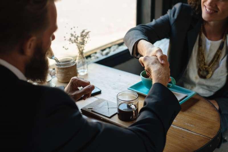 如果以為只有賣東西給別人才叫做業務,那就是把業務的定義看得太窄了。(示意圖非本人/pexels)