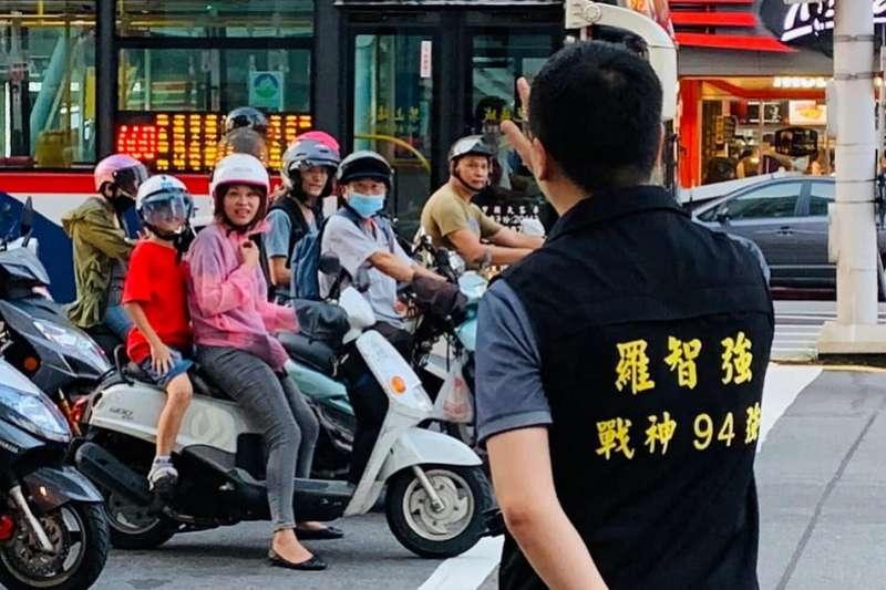 並未參選立委的台北市議員羅智強,展開全台街講計畫。(羅智強臉書)