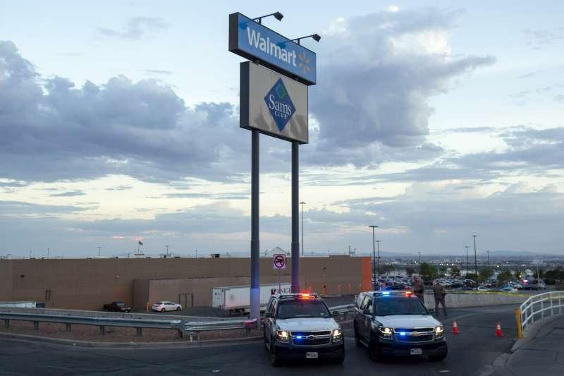 8月3日德州帕索一間沃爾瑪商場遭槍手闖入行兇,9月3日沃爾瑪宣布停止販售手槍及部分軍用步槍彈藥,也不再於阿拉斯加販售手槍。(美聯社)