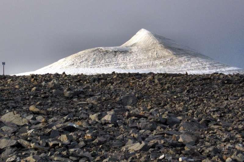北歐瑞典開布內峰南峰由冰川覆蓋。(Grapetonix @Wikipedia / CC BY 3.0)