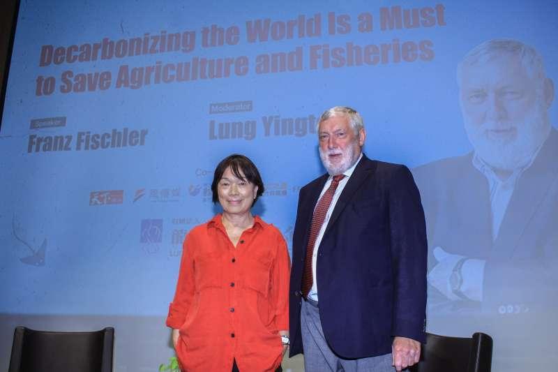 20190908-奧地利歐洲論壇主席法蘭茲.費雪勒(右)於「台灣金融研訓院」舉行專題演講,左為前文化部長龍應台。(蔡親傑攝)