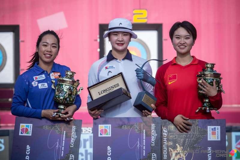 台灣女將譚雅婷5度挑戰世界盃射箭年終賽,7日在反曲弓女子組奪銀牌,寫下台將參賽最佳紀錄。 (圖片取自World Archery粉絲專頁)