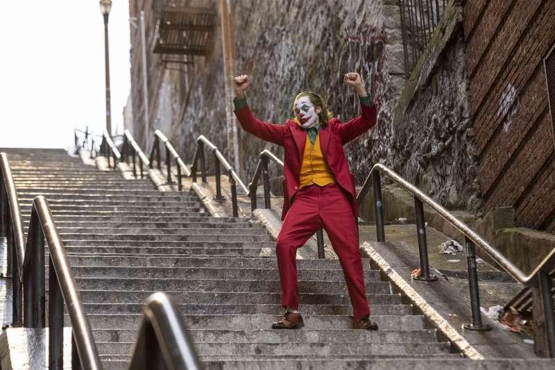 2019年第76屆威尼斯影展,美國影片《小丑》(Joker)奪得最高榮譽金獅獎(AP)