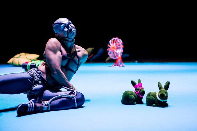 創作與演出2019台北藝術節舞蹈節目「束縛」的新加坡藝術家郭奕麟(Daniel Kok)(台北藝術節提供)