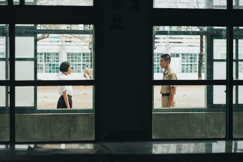 20190902-《返校》劇照,王淨與曾敬驊分飾方芮欣、魏仲廷。(影一製作提供)