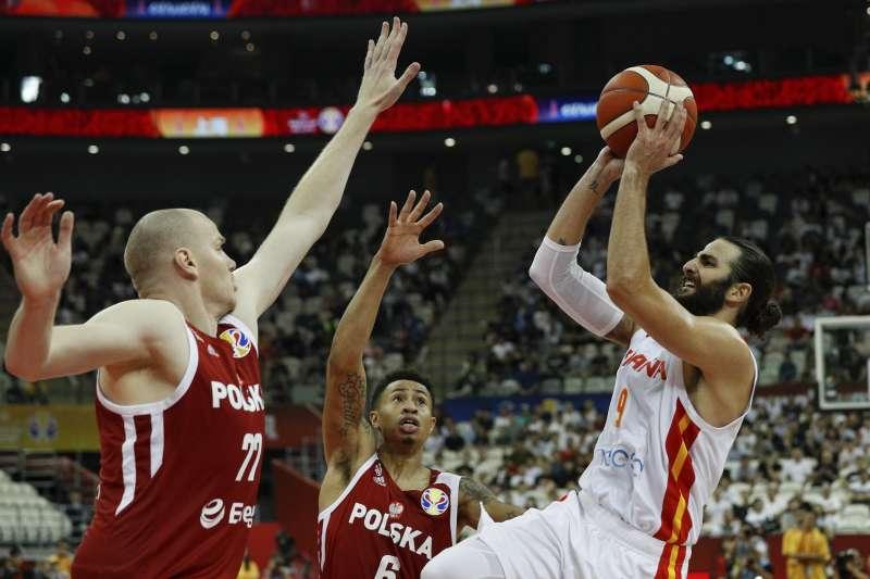 西班牙在盧比歐的帶領下擊敗波蘭,成功打進4強。 (美聯社)