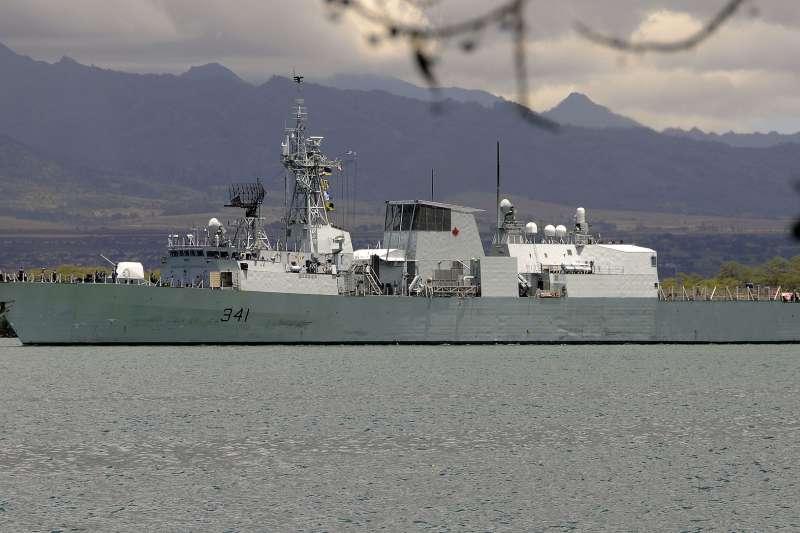 加拿大海軍「渥太華」號護衛艦於9月10日上午通過台灣海峽。(圖/維基共享資源,版權屬公眾領域)