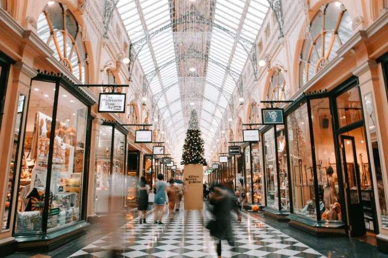 歐洲商店通常會在周日打烊休息一天(圖/Unsplash)