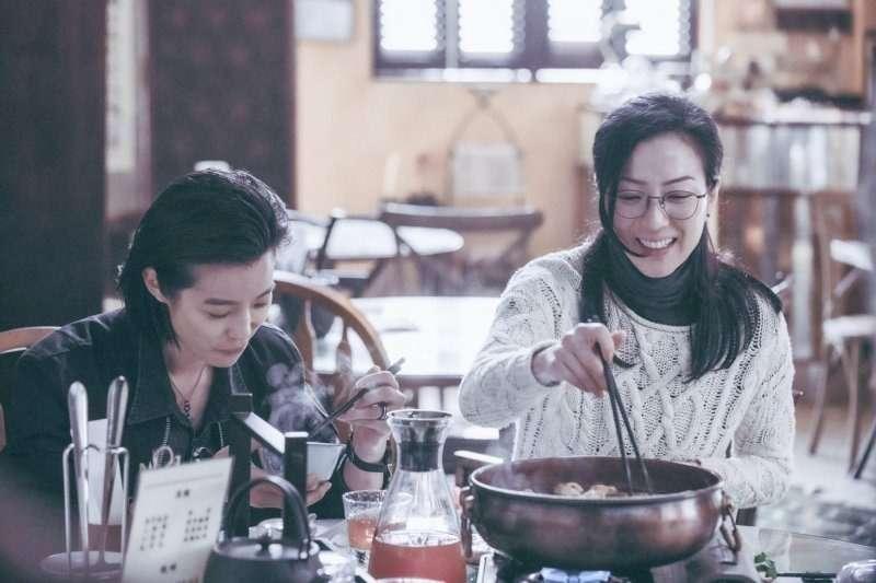《花椒之味》由鄭秀文、賴雅妍與李曉峰共同主演(圖/華映)