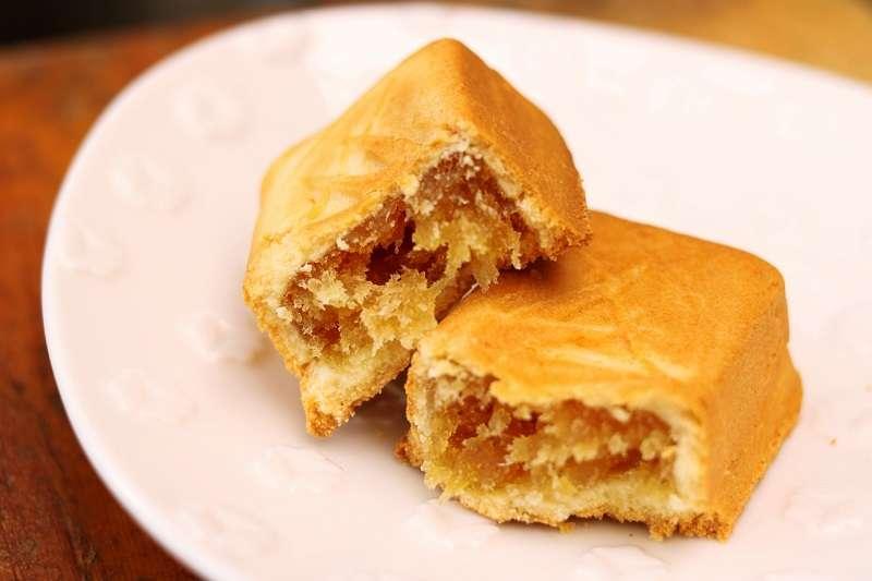 鳳梨酥因其台語諧音「旺來」的好口采,成為台灣人年節送禮的熱門選擇。(圖/photo-ac)