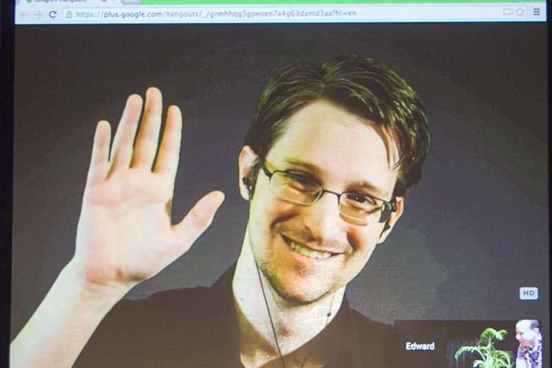美國國安局前雇員、全球最知名揭密者史諾登(Edward Snowden),攝於2015年2月(AP)