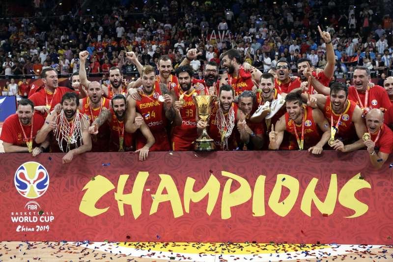 西班牙在世界盃男籃金牌戰力克阿根廷,繼2006年後再度奪冠。 (美聯社)