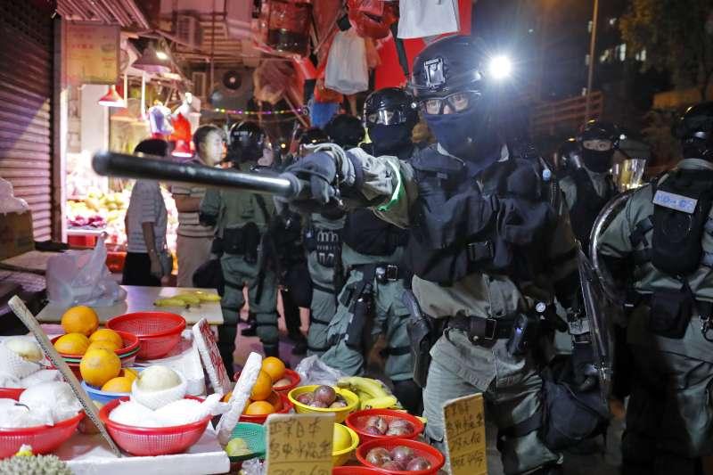 2019年9月,香港反送中衝突持續升級,警方強力鎮壓(AP)