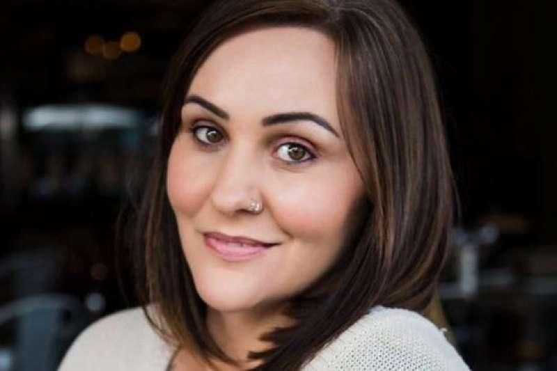 南非攝影師米德利(SARAH MIDGLEY),與BBC分享性侵帶來的創傷經驗。(BBC中文網)