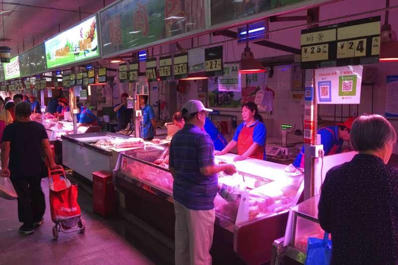 媒體預測中國豬價將在十一國慶前後漲到新高點,且未來半年內豬肉供應仍陷短缺。(美聯社)