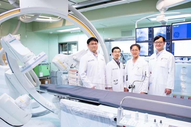 東元醫院心臟血管中心醫療團隊包括張聖典部長(左起)、卜詩筠主任、溫斯企主任及林育伸主任。(圖/東元綜合醫院提供)