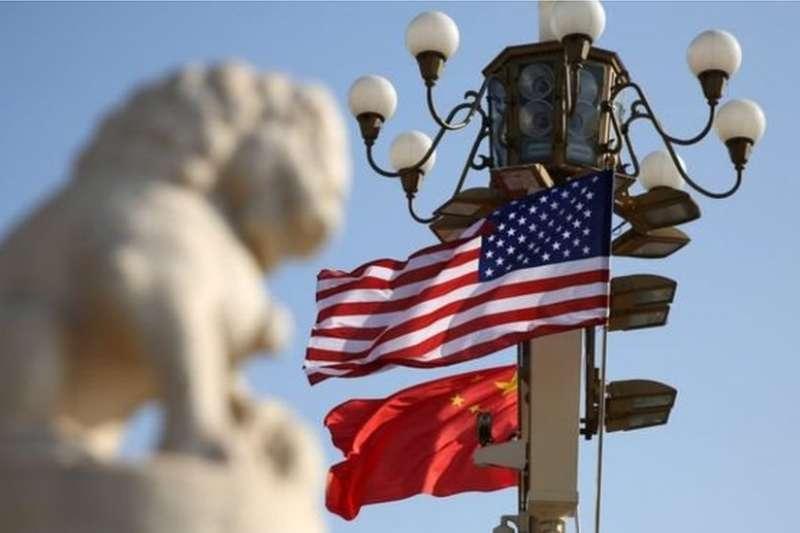 美國的對華政策智囊被分為兩類:精通漢語,熟悉中國文化的中國通 ,和沒有專門中國知識的戰略專家。(BBC中文網)