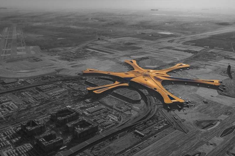 北京大興國際機場將於本月底開幕。(圖/王之桐@wikipedia CC BY 4.0)