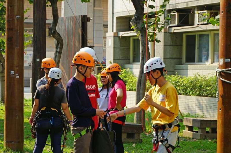修平科技大學探索研習社由一群熱愛探索體驗活動的同學們共同組成,希望透各項探索活動來激發潛能、認識自我與展現青春活力。(圖/修平科技大學)