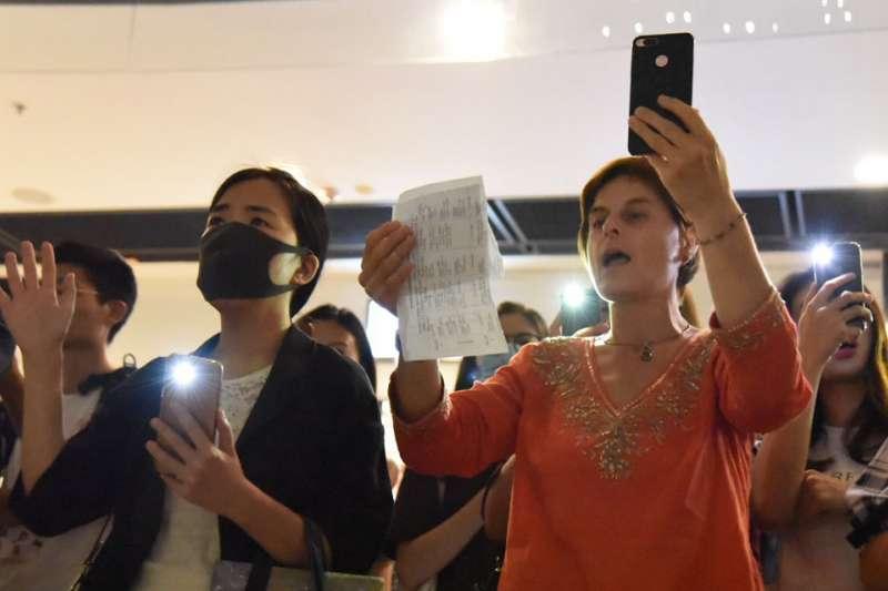 香港人新一代的心聲,要「光復」,要在這時代上起革命(Revolution of our time)。(王紀堯攝)