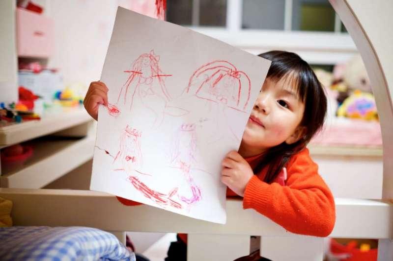 零工經濟崛起,媽媽們除了帶小孩,也可以考慮在家接案工作(圖/Unsplash)