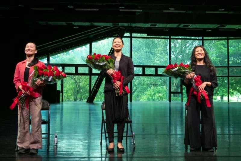 今年七月底雲門舞集在國家兩廳院廣場的戶外公演,是林懷民退休前最後一場戶外公演(圖/安可人生)