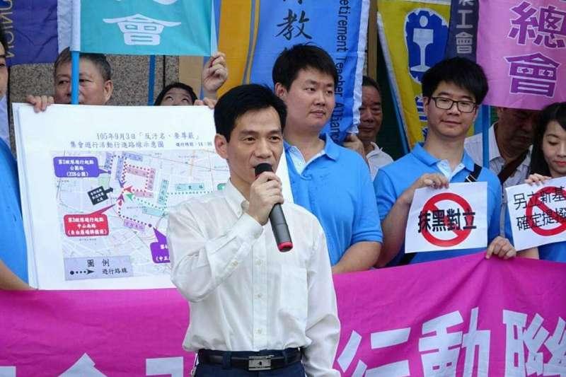 台灣勞工總工會理事長王裕文(見圖)認為,兩岸政策衝擊觀光產業,政府不應該為了換取選票支持而犧牲勞工的利益。(作者提供)
