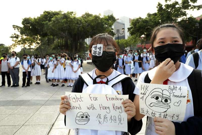 參與「反送中」抗爭的香港中學生越來越多。(美聯社)