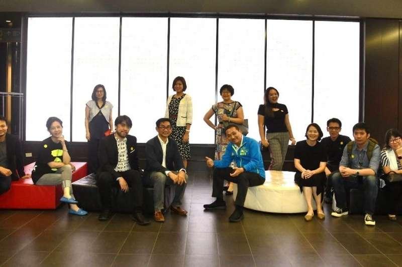 新北市長侯友宜率團與泰國創新經濟促進局(CEA)交流。(圖/新北市新聞局提供)