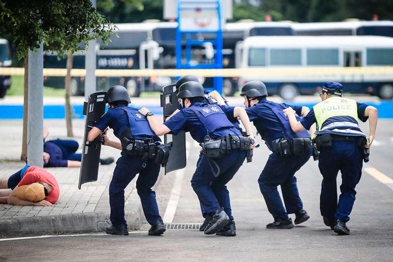 20190922-員警穿著防彈背心進行演習。(資料照,取自「NPA 署長室」臉書)