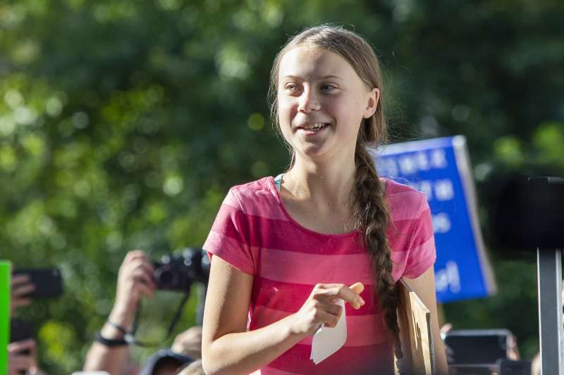 通貝里發起「星期五拚未來」罷課活動,帶動全球關心氣候變遷的青年走上街頭要掌權者作出行動。(美聯社)