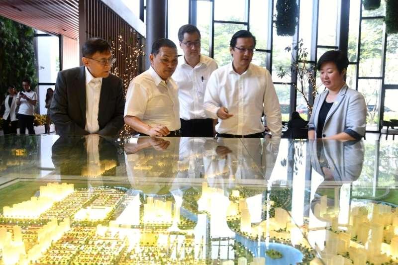 侯友宜參觀越南胡志明市富美興新都心造鎮案。  (圖/新北市新聞局提供)
