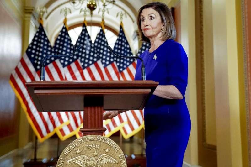 美國聯邦眾議院議長裴洛西正式宣布,對川普總統展開彈劾調查。(美聯社)