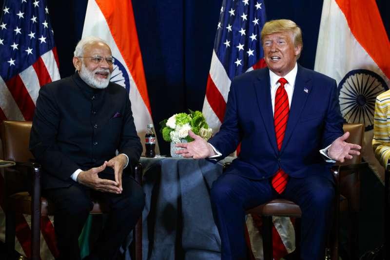 美國總統川普與印度總理莫迪。(美聯社)