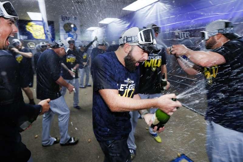 釀酒人近19場比賽拿下17勝,成功打進季後賽。 (美聯社)
