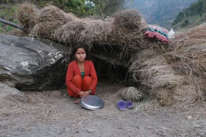 尼泊爾女性因宗教信仰,月經來潮時需被隔離(圖/gofundme)