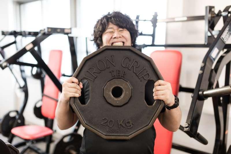 健身重訓竟然會造成動脈硬化?(圖/pakutaso)