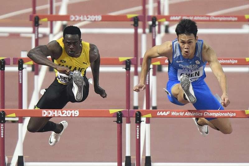 我國跨欄好手陳奎儒在田徑世錦賽110公尺跨欄項目,以分組第三成功晉級。 (美聯社)