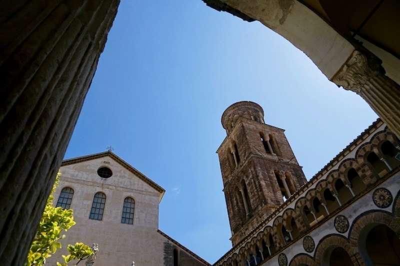 薩雷爾諾市的主教座堂 (曾廣儀攝)