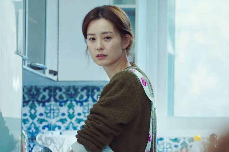 由轟動韓國的小說《82年生的金智英》改編成的電影即將上映。(圖/取自youtube)