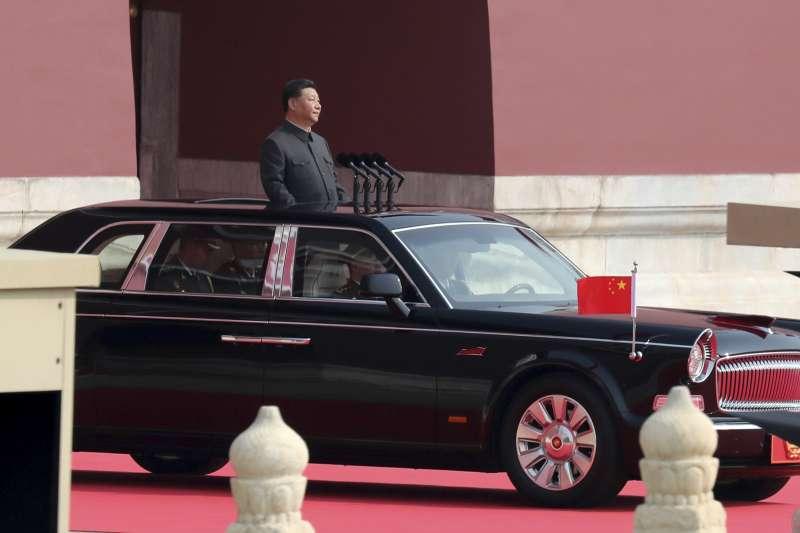 2019年10月1日,慶祝中華人民共和國成立70周年大會.閱兵式和群眾遊行,習近平校閱部隊(AP)