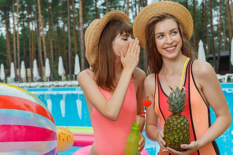 網路上多年來有個傳言,事前喝鳳梨汁,就能改善精液的味道。(圖/photo-ac)