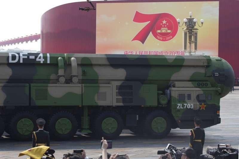 2019十一國慶的天安門大閱兵、解放軍、東風-41。(美聯社)