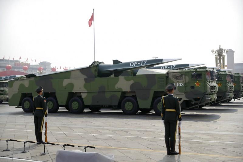 國防安全研究院國防戰略暨產業研究所所長蘇紫雲指出,共軍部署新型彈道飛彈,目標應是針對美軍在亞洲盟邦國家的基地。(資料照,美聯社)