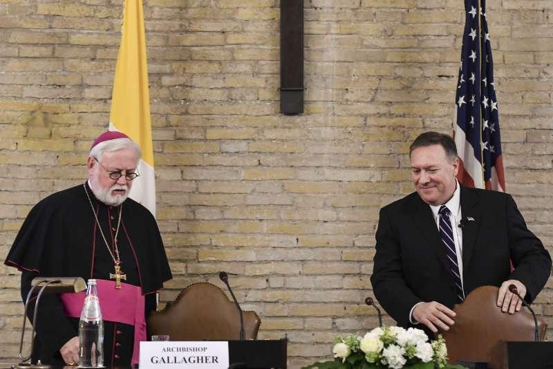 美國國務卿龐畢歐與教廷外長蓋拉格談論宗教自由(AP)