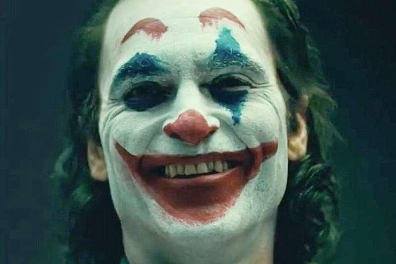 電影《小丑》在美上映時一度引起軒然大波(圖/IMDb)